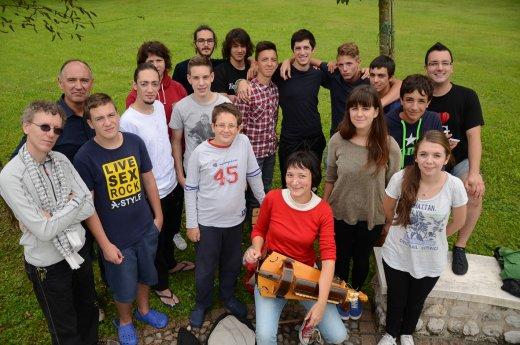 gruppo estate con circolo verdi
